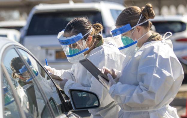 美武漢肺炎疫情仍嚴峻,感染人數可能達 2,400 萬
